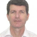 Dr. Carlos Tavares Correa